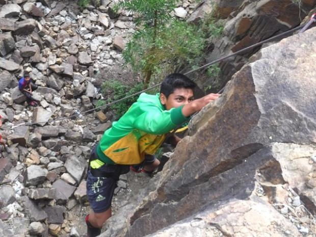 Santiago conquers the rock face