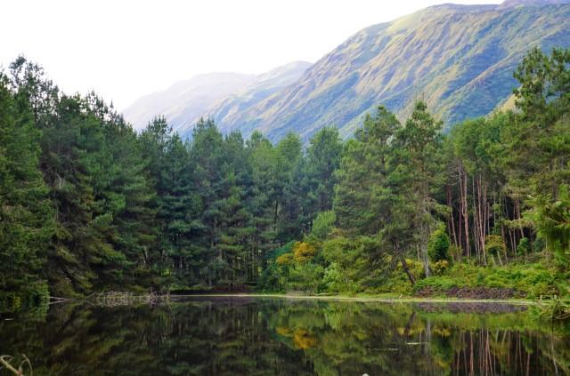 a-a-mirror-lake